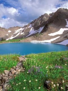 Ощути всю красоту альпийских гор, качай новую картинку для Nokia N80